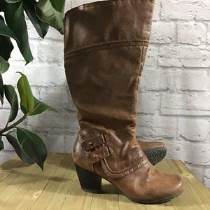 🍃 Bare Traps tall brown heeled 6M zipper boots